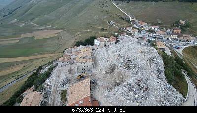 Esiste una Valle Italiana Dagli Alpi ad Appenini protetta da tutti Venti Freddi Pioggia Neve?-castelluccio.jpg