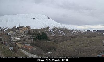 Nevai dei Sibillini-castelluccio.jpg